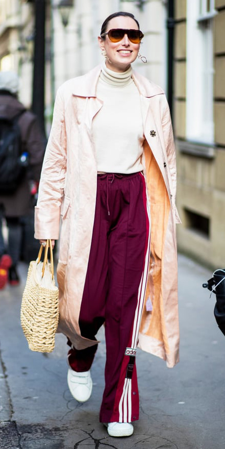 burgundy-wideleg-pants-trackpants-white-sweater-turtleneck-peach-jacket-coat-trench-hairr-sun-bun-earrings-tan-bag-straw-white-shoe-sneakers-fall-winter-lunch.jpg