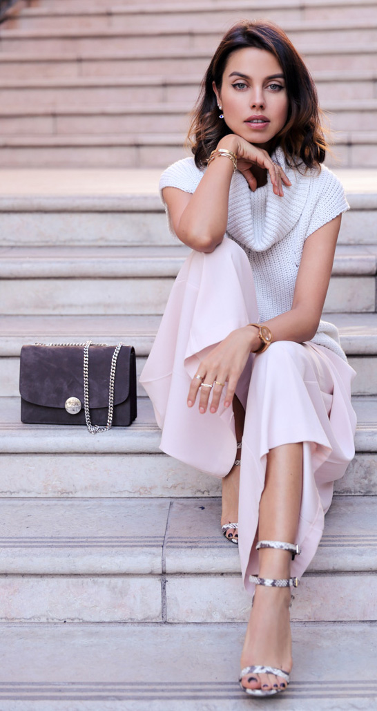 pink-light-culottes-pants-white-sweater-sleeveless-brun-lob-watch-white-shoe-sandalh-spring-summer-work.jpg