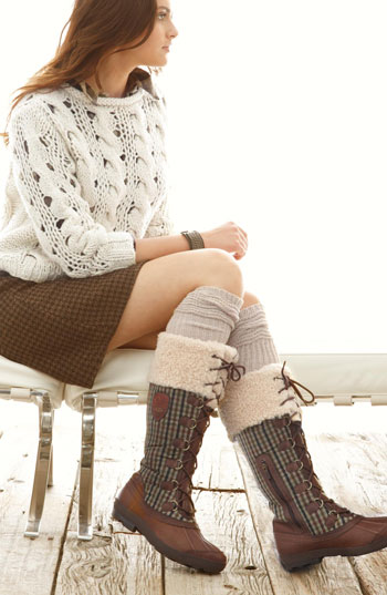 o-brown-mini-skirt-white-sweater-socks-brown-shoe-boots-hairr-howtowear-fashion-style-outfit-fall-winter-weekend.jpg