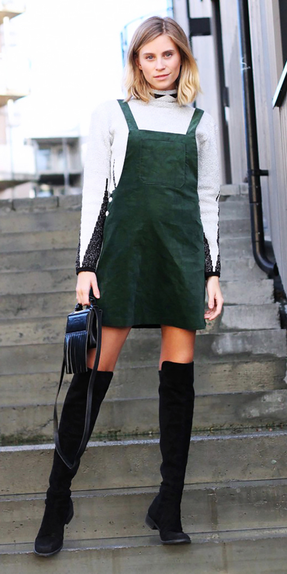 green-dark-dress-jumper-white-sweater-turtleneck-black-bag-black-shoe-boots-blonde-fall-winter-lunch.jpg