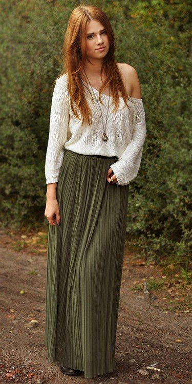 white-sweater-necklace-pend-hairr-green-olive-maxi-skirt-fall-winter-weekend.jpg