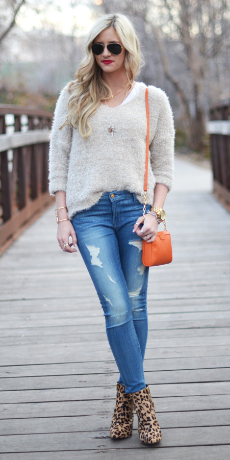 blue-med-skinny-jeans-white-sweater-orange-bag-blonde-sun-tan-shoe-booties-leopard-print-fall-winter-lunch.jpg