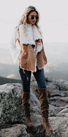 blue-navy-skinny-jeans-white-sweater-camel-vest-moto-shearling-blonde-brown-shoe-boots-fall-winter-weekend.jpg