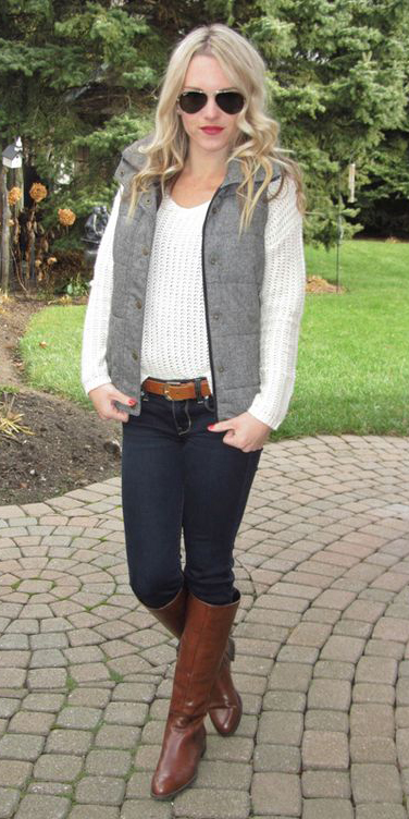 blue-navy-skinny-jeans-belt-cognac-shoe-boots-white-sweater-grayl-vest-puffer-blonde-sun-fall-winter-weekend.jpg