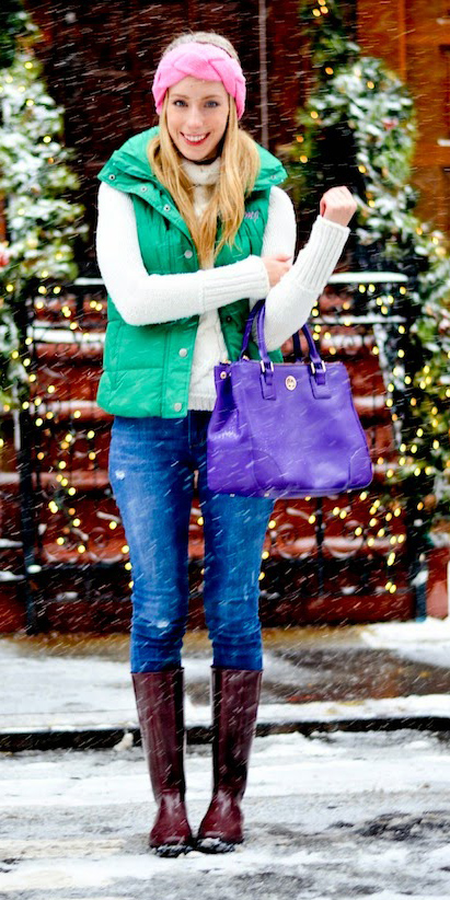 blue-med-skinny-jeans-white-sweater-turtleneck-purple-bag-green-emerald-vest-puffer-blonde-head-brown-shoe-boots-fall-winter-weekend.jpg