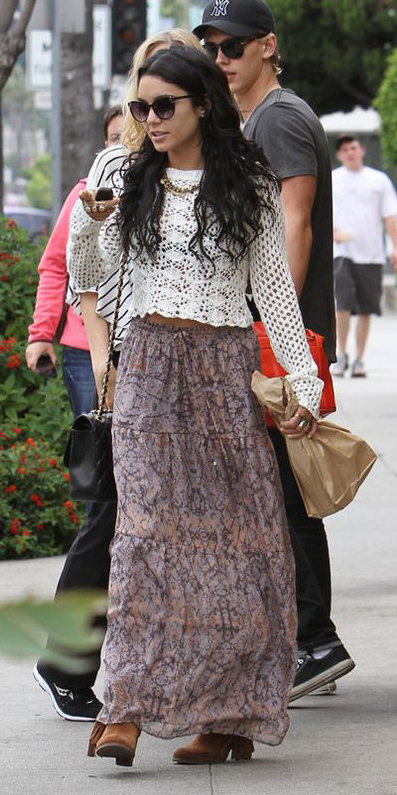 white-sweater-crochet-print-sun-boho-brun-cognac-shoe-booties-vanessahudgens-purple-light-maxi-skirt-fall-winter-lunch.jpg