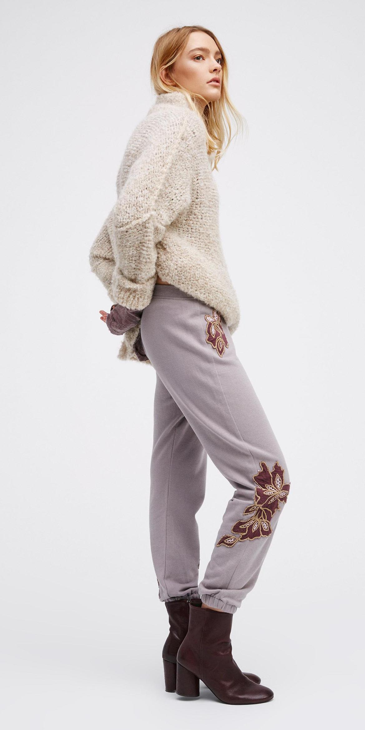 purple-light-joggers-pants-white-sweater-burgundy-shoe-booties-freepeople-fall-winter-blonde-weekend.jpeg