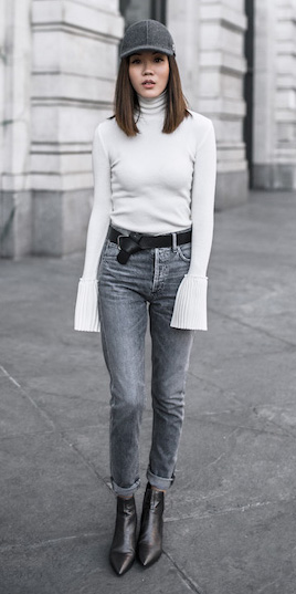 grayd-skinny-jeans-belt-hat-cap-white-sweater-turtleneck-black-shoe-booties-bellsleeve-fall-winter-hairr-lunch.jpg