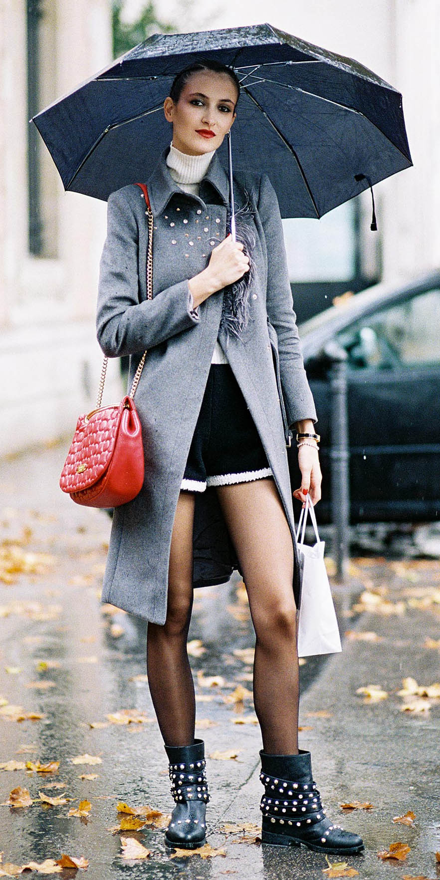 black-shorts-white-sweater-turtleneck-grayl-jacket-coat-black-tights-red-bag-black-shoe-booties-fall-winter-lunch.jpg