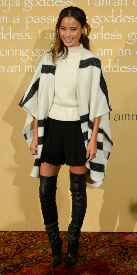 black-mini-skirt-white-sweater-white-cardiganl-stripe-pleat-fall-winter-black-shoe-boots-cape-otk-jamiechung-brun-lunch.jpg