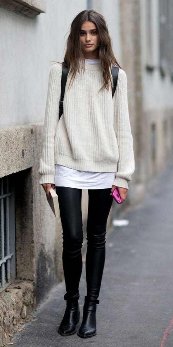 black-leggings-white-sweater-black-shoe-booties-black-bag-pack-wear-outfit-fashion-fall-winter-brun-weekend.jpg