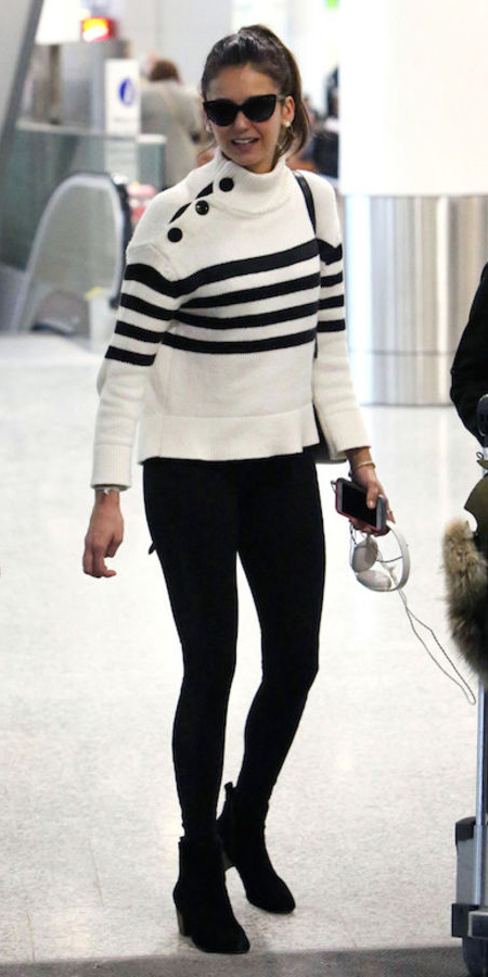 black-skinny-jeans-white-sweater-stripe-howtowear-style-fashion-fall-winter-black-shoe-booties-sun-pony-black-bag-turtleneck-celebrities-brun-lunch.jpg