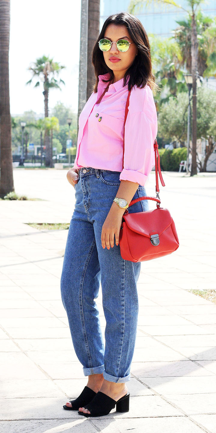 pink-light-collared-shirt-blue-med-boyfriend-jeans-red-bag-brun-sun-lob-mules-black-shoe-sandalh-fall-winter-lunch.jpg