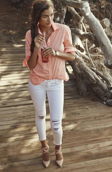 white-skinny-jeans-peach-collared-shirt-tan-shoe-pumps-braid-wear-fashion-style-spring-summer-pumps-brun-lunch.jpg