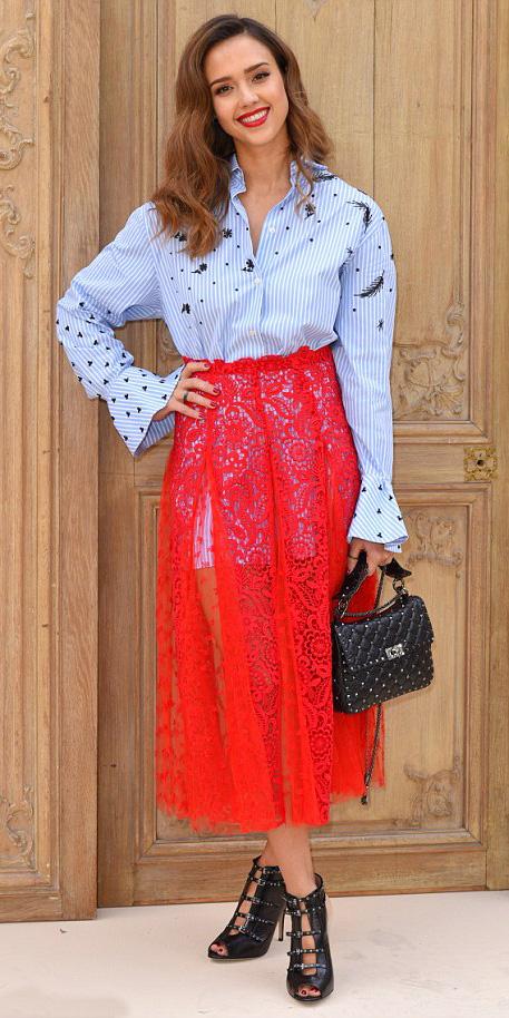 red-midi-skirt-sheer-lace-blue-light-collared-shirt-black-bag-black-shoe-sandalh-jessicaalba-spring-summer-hairr-lunch.jpg
