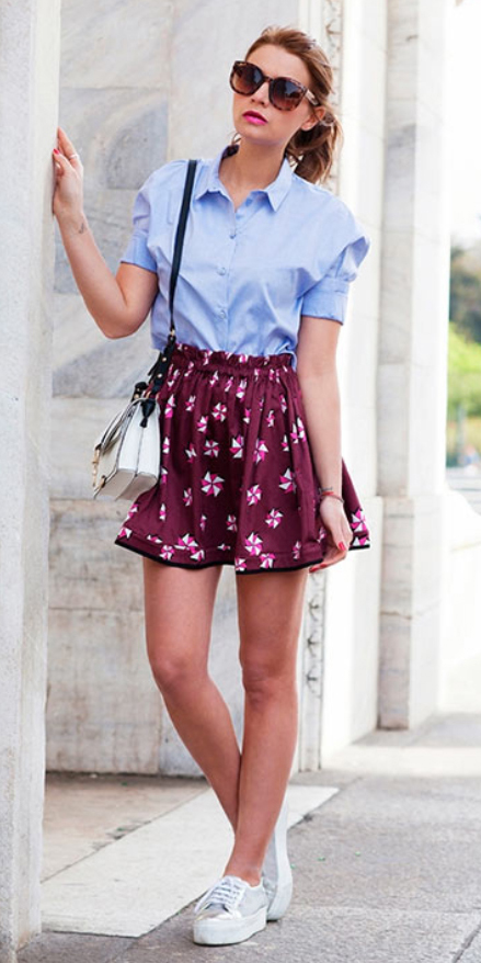 r-burgundy-mini-skirt-blue-light-collared-shirt-white-bag-sun-pony-print-wear-style-fashion-spring-summer-white-shoe-sneakers-print-hairr-lunch.jpg