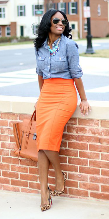 orange-pencil-skirt-blue-light-collared-shirt-necklace-bib-tan-shoe-pumps-leopard-orange-bag-spring-summer-brun-lunch.jpg