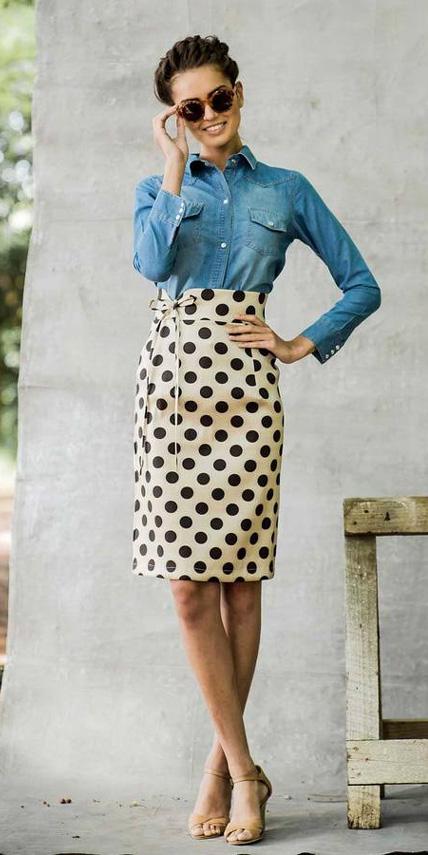 o-tan-pencil-skirt-blue-light-collared-shirt-sun-bun-howtowear-fashion-style-outfit-spring-summer-dot-chambray-tan-shoe-sandalh-brun-work.jpg