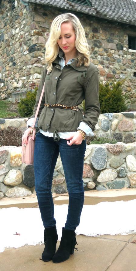 blue-navy-skinny-jeans-belt-green-olive-jacket-utility-blue-light-collared-shirt-pink-bag-blonde-black-shoe-booties-fall-winter-lunch.jpg