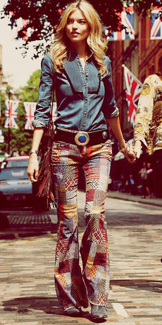 red-flare-jeans-zprint-patch-blue-med-collared-shirt-chambray-belt-cognac-bag-wear-fashion-style-fall-winter-blonde-lunch.jpg