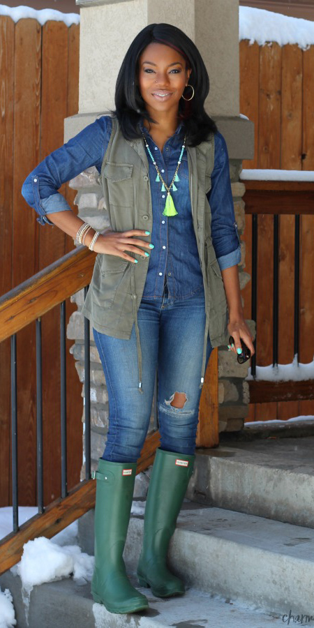 blue-med-skinny-jeans-blue-med-collared-shirt-green-olive-vest-utility-necklace-brun-hoops-green-shoe-boots-wellies-fall-winter-weekend.jpg