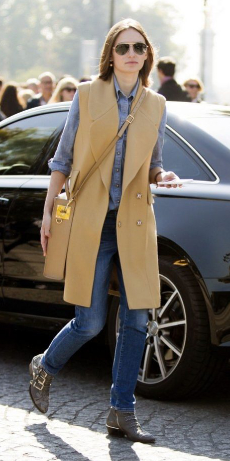 blue-med-skinny-jeans-blue-med-collared-shirt-sun-hairr-tan-bag-tan-vest-tailor-gray-shoe-booties-fall-winter-weekend.jpg