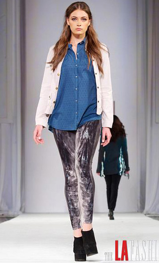 grayd-leggings-blue-med-collared-shirt-white-cardigan-black-shoe-booties-runway-wear-outfit-fashion-fall-winter-chambray-hairr-lunch.jpg