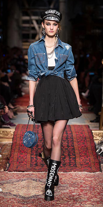 black-mini-skirt-white-tee-blue-med-collared-shirt-chain-necklace-earrings-blue-bag-howtowear-style-outfit-fall-winter-tie-black-tights-runway-newsboycap-hat-black-shoe-boots-hairr-lunch.jpg