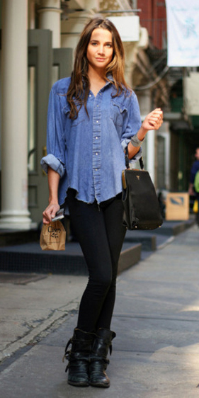black-leggings-blue-med-collared-shirt-chambray-wear-outfit-fashion-fall-winter-black-shoe-booties-black-bag-brun-weekend.jpg