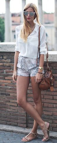 white-shorts-print-white-collared-shirt-sun-blonde-watch-cognac-bag-tan-shoe-sandals-howtowear-fashion-style-outfit-spring-summer-italy-rome-weekend.jpg