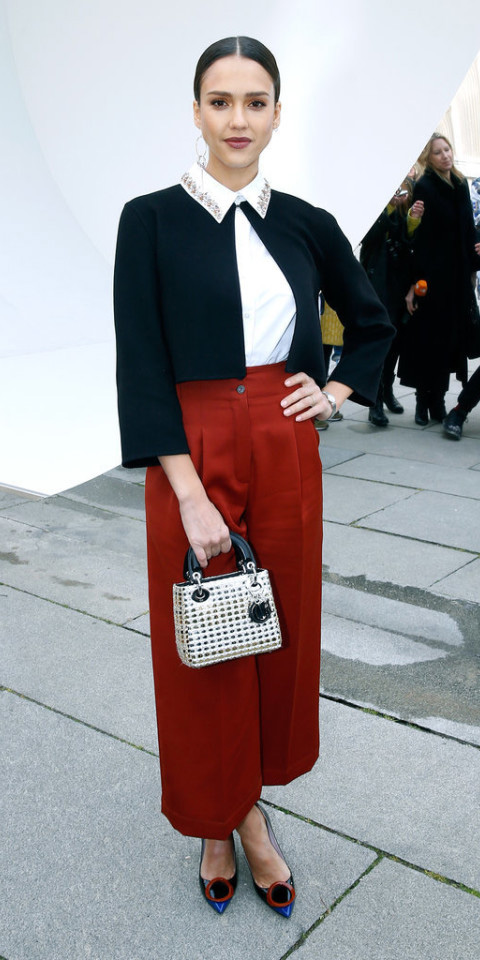 red-culottes-pants-white-collared-shirt-black-jacket-crop-white-bag-hand-brun-bun-black-shoe-pumps-howtowear-fashion-style-outfit-fall-winter-jessicaalba-celebrity-dinner.jpg