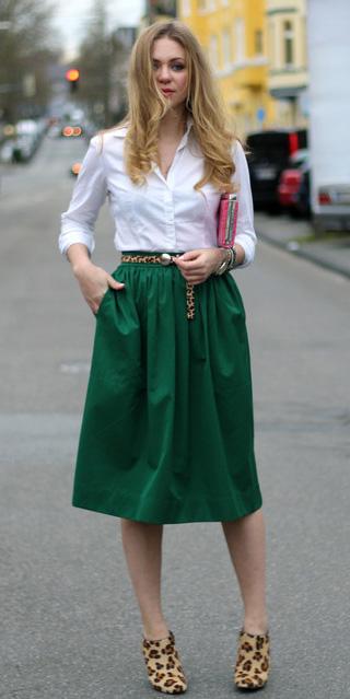 green-dark-midi-skirt-white-collared-shirt-tan-shoe-booties-leopard-print-belt-fall-winter-blonde-work.jpg