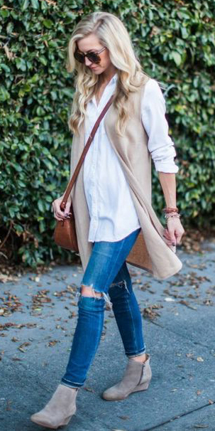 blue-med-skinny-jeans-white-collared-shirt-blonde-cognac-bag-tan-shoe-booties-fall-winter-lunch.jpg