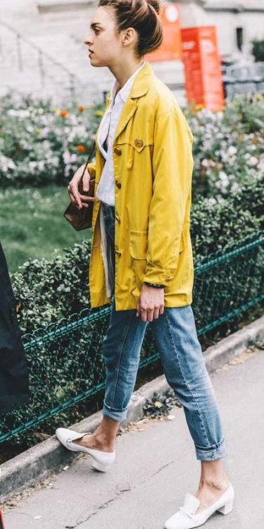 blue-med-skinny-jeans-white-collared-shirt-yellow-jacket-coat-parka-hairr-bun-white-shoe-pumps-spring-summer-weekend.jpg