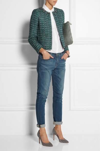 blue-navy-boyfriend-jeans-white-collared-shirt-gray-shoe-pumps-green-dark-jacket-lady-fall-winter-lunch.jpg