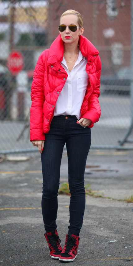 blue-navy-skinny-jeans-sun-bun-white-collared-shirt-red-shoe-sneakers-red-jacket-coat-puffer-fall-winter-blonde-lunch.jpg