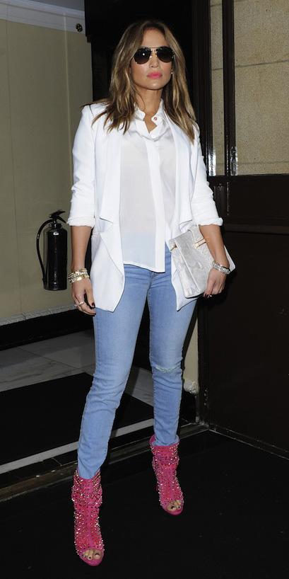 blue-light-skinny-jeans-sun-white-collared-shirt-pink-shoe-booties-white-bag-clutch-white-jacket-blazer-spring-summer-hairr-dinner.jpg