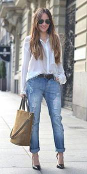blue-med-boyfriend-jeans-white-collared-shirt-brown-shoe-pumps-cognac-bag-belt-sun-hairr-wear-spring-summer-outfit-lunch.jpg