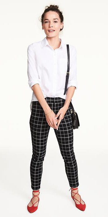 black-slim-pants-white-collared-shirt-bun-red-shoe-flats-howtowear-black-bag-windowpane-fall-winter-brun-work.jpg
