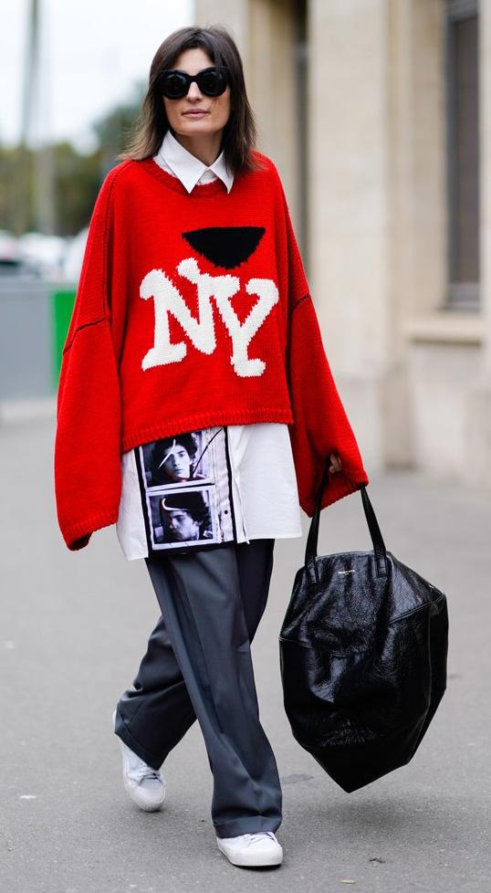 black-wideleg-pants-white-collared-shirt-oversized-layer-black-bag-sun-hairr-red-sweater-newyork-white-shoe-sneakers-fall-winter-lunch.jpg