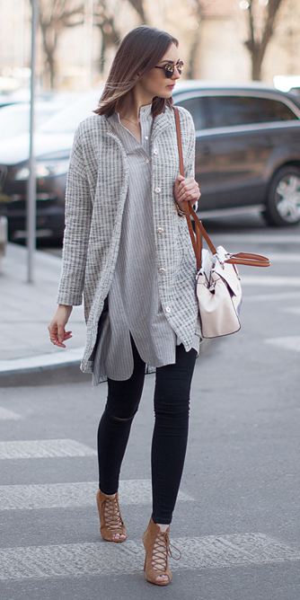 black-skinny-jeans-grayl-collared-shirt-wear-outfit-fashion-fall-winter-tan-shoe-sandalh-grayl-cardiganl-white-bag-sun-hairr-lunch.jpg