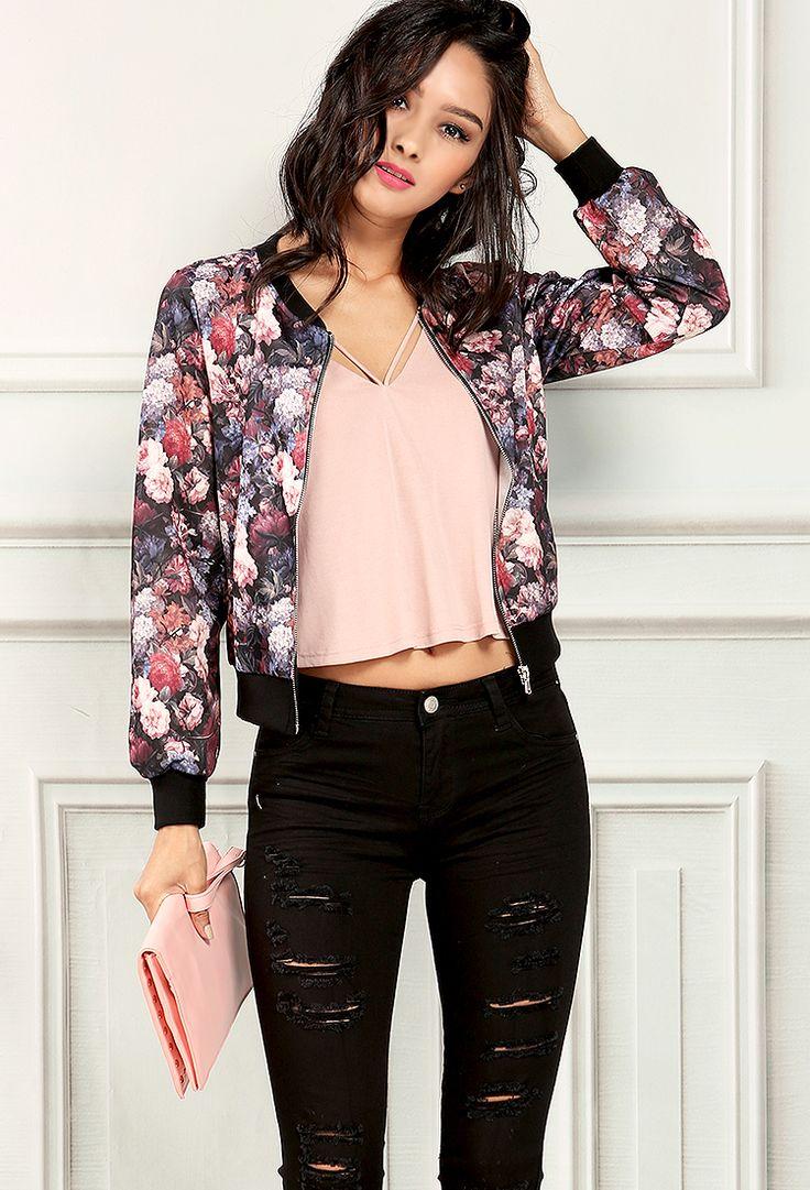 black-skinny-jeans-pink-light-tee-pink-light-jacket-bomber-floral-print-pink-bag-clutch-howtowear-fashion-style-outfit-spring-summer-brun-dinner.jpg