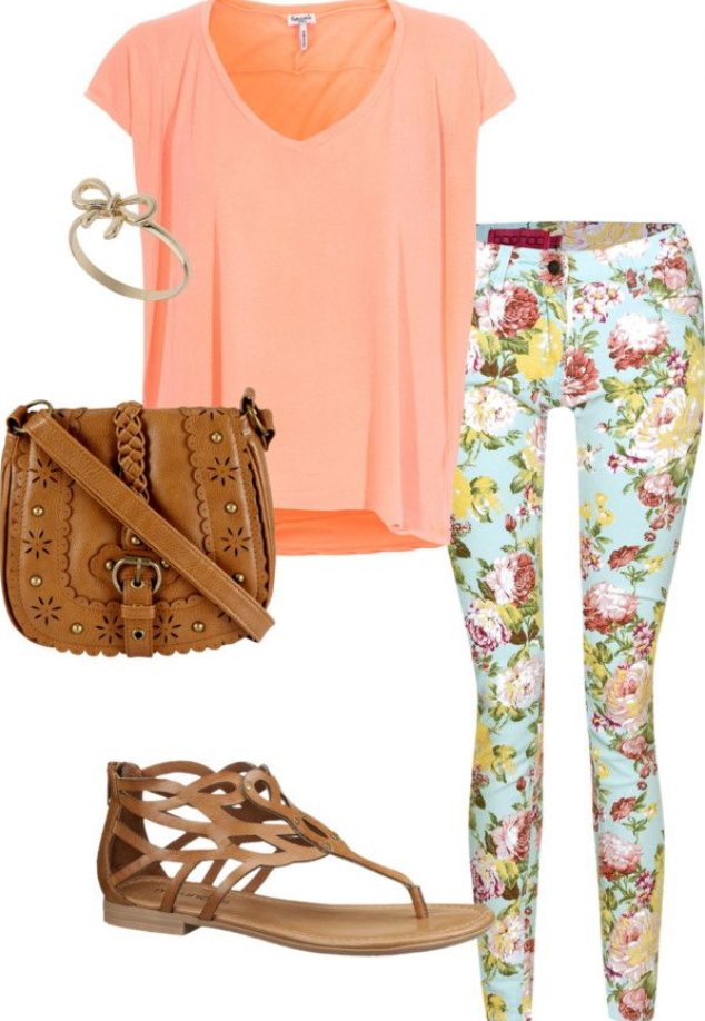 green-light-skinny-jeans-o-peach-tee-cognac-shoe-sandals-cognac-bag-howtowear-style-fashion-spring-summer-floral-saddle-lunch.jpg