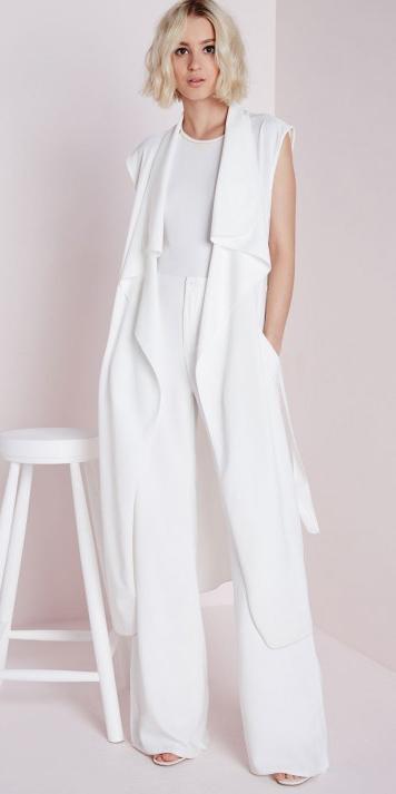 white-wideleg-pants-white-tee-blonde-bob-white-vest-knit-mono-white-shoe-sandalh-spring-summer-lunch.jpg