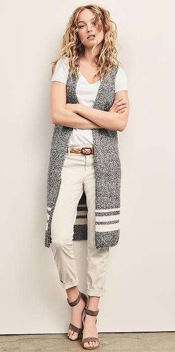 white-chino-pants-white-tee-belt-grayl-vest-knit-blonde-brown-shoe-sandalh-spring-summer-wear-fashion-style-gap-lunch.jpg