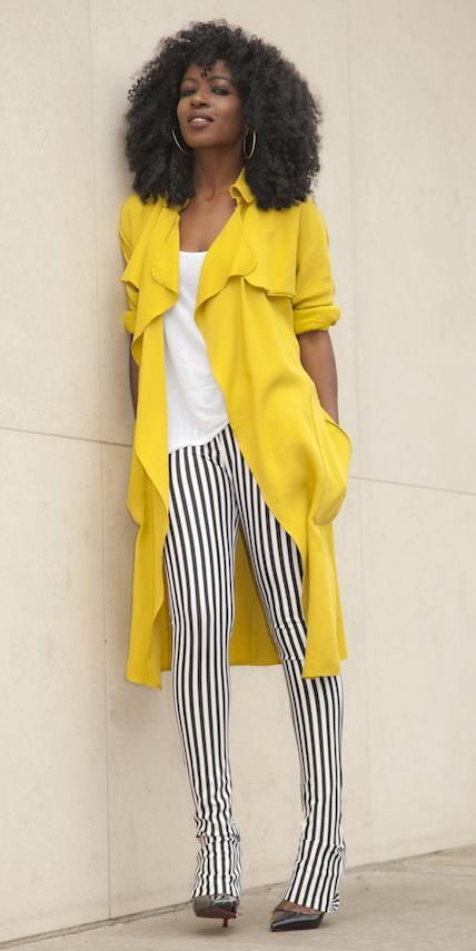 white-slim-pants-vertical-stripe-white-tee-brun-black-shoe-pumps-hoops-yellow-jacket-coat-trench-spring-summer-lunch.jpg