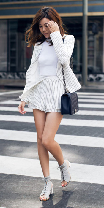 white-shorts-pinstripe-white-tee-suit-white-jacket-blazer-black-bag-brun-gray-shoe-sandalh-spring-summer-lunch.jpg