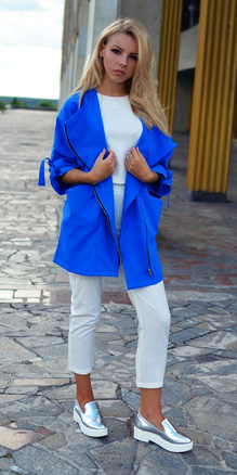 white-slim-pants-blue-med-jacket-coat-trench-cobalt-white-tee-blonde-silver-gray-shoe-loafers-spring-summer-weekend.jpg