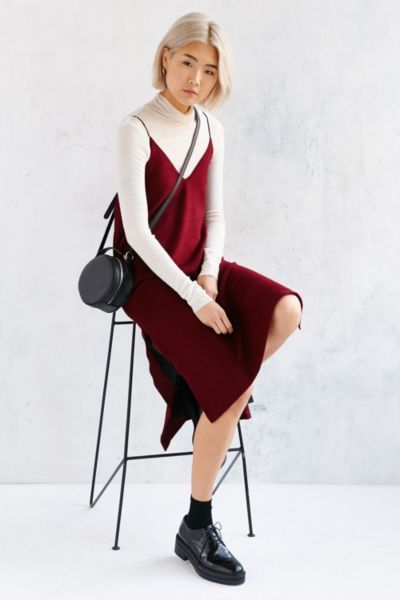 burgundy-dress-slip-white-tee-turtleneck-black-bag-socks-black-shoe-brogues-bob-howtowear-fall-winter-blonde-weekend.jpg