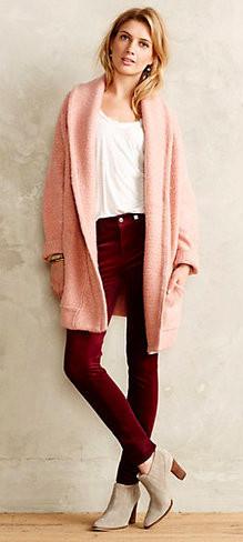 burgundy-skinny-jeans-white-tee-pink-light-cardiganl-tan-shoe-booties-howtowear-fall-winter-blonde-weekend.jpg